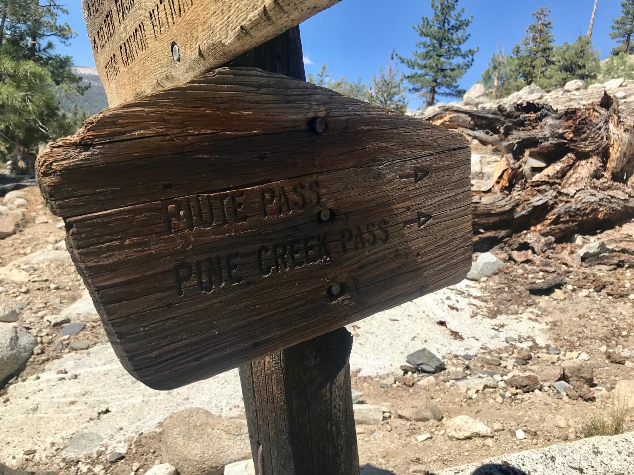 Piute Pass sign